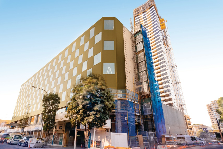 The recently completed $25 million extension to Parkroyal Parramatta features over 3,000m2 of Vitracore G2.